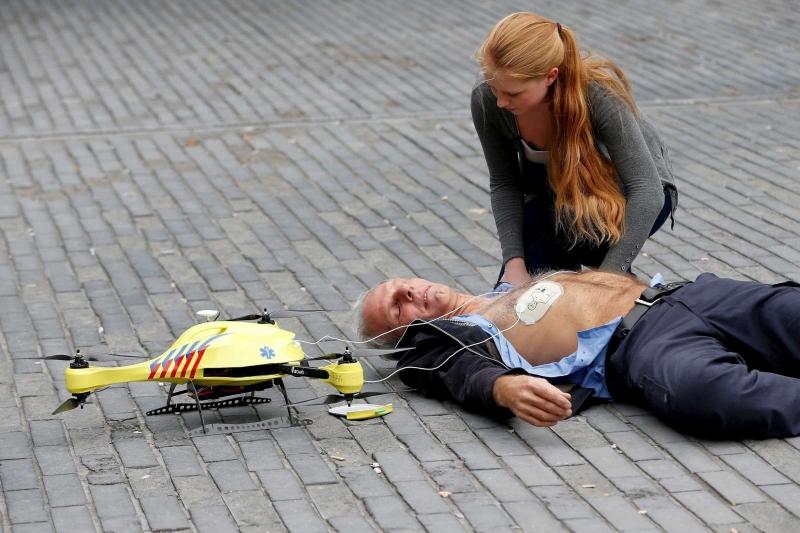selon-l-etudiant-a-l-orgine-du-projet-le-drone-ambulance_2169274_800x533p